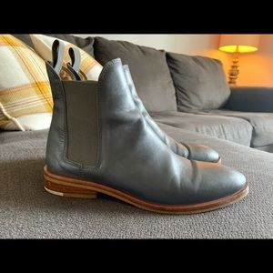 Everlane The Modern Chelsea Boot, size 7